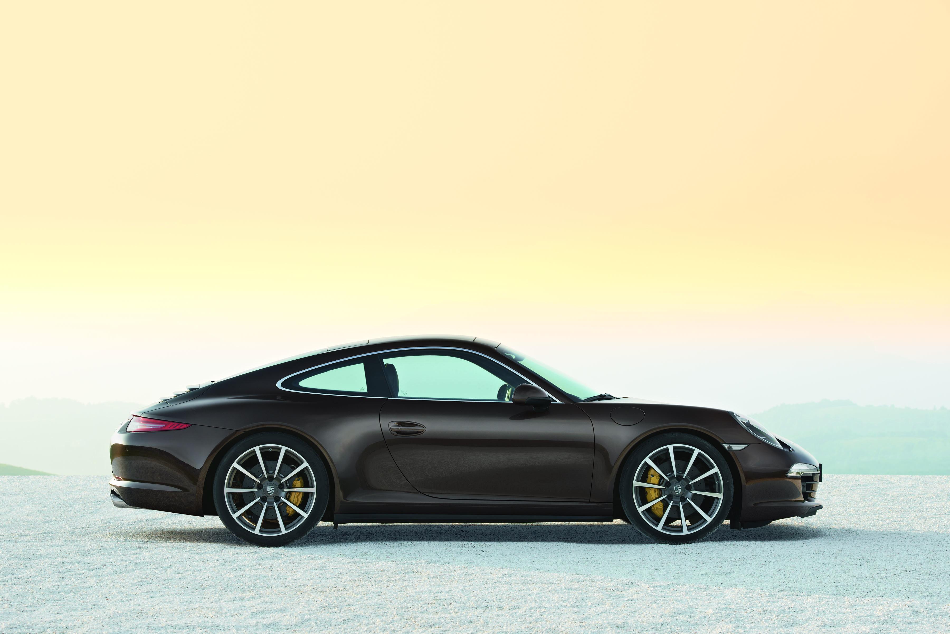 Porsche 911 Carrera 4s - muscolosa e filante mantiene quello che promette